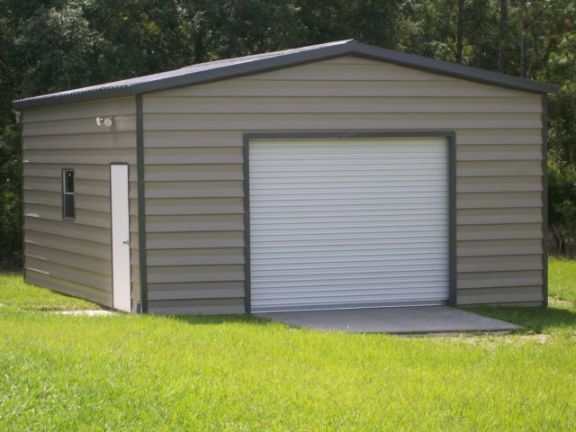 18x20 custom lap siding garage