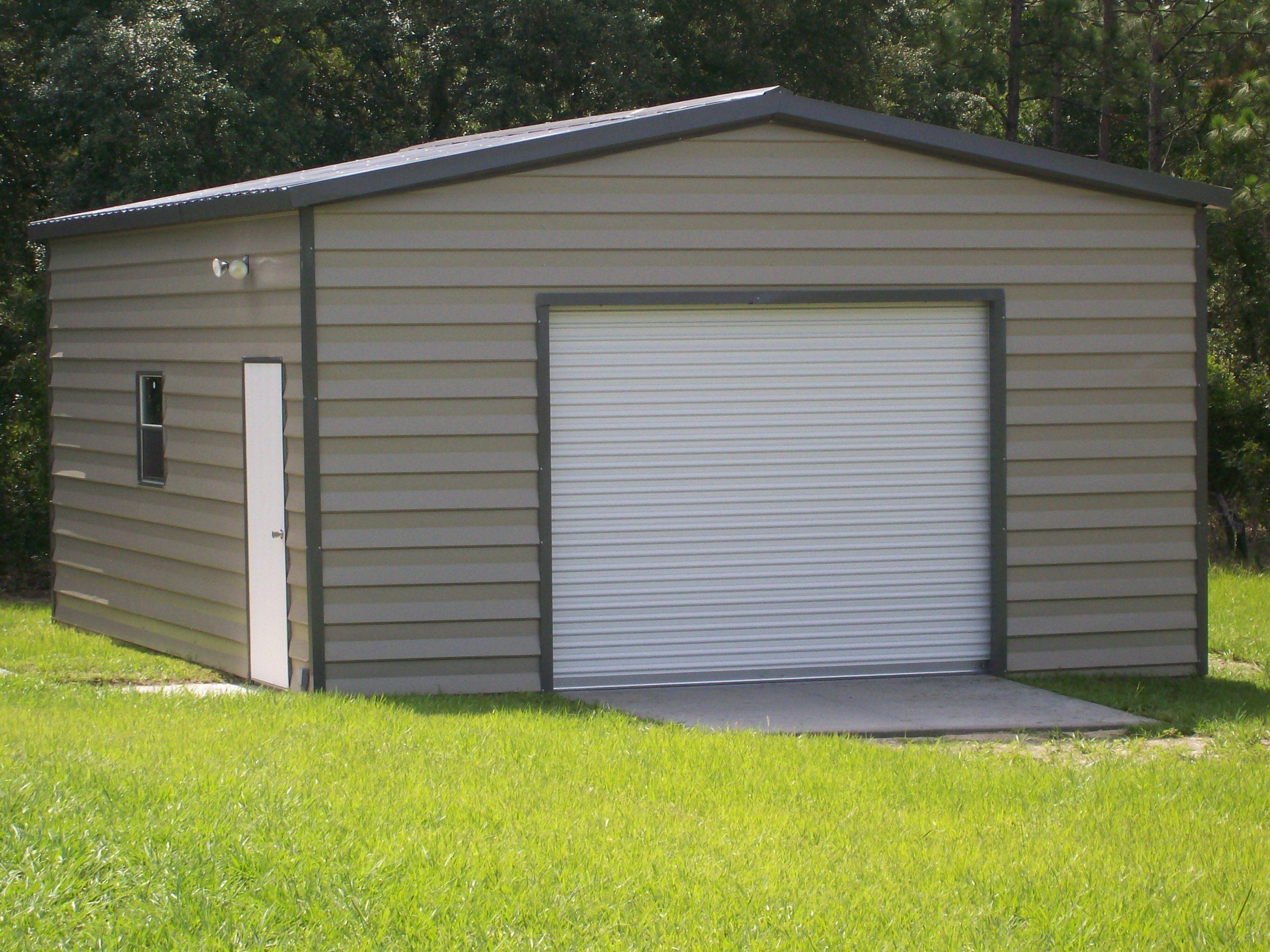 18x20 custom lap siding garage
