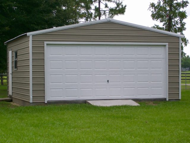 20x20 Garage with Sectional Door