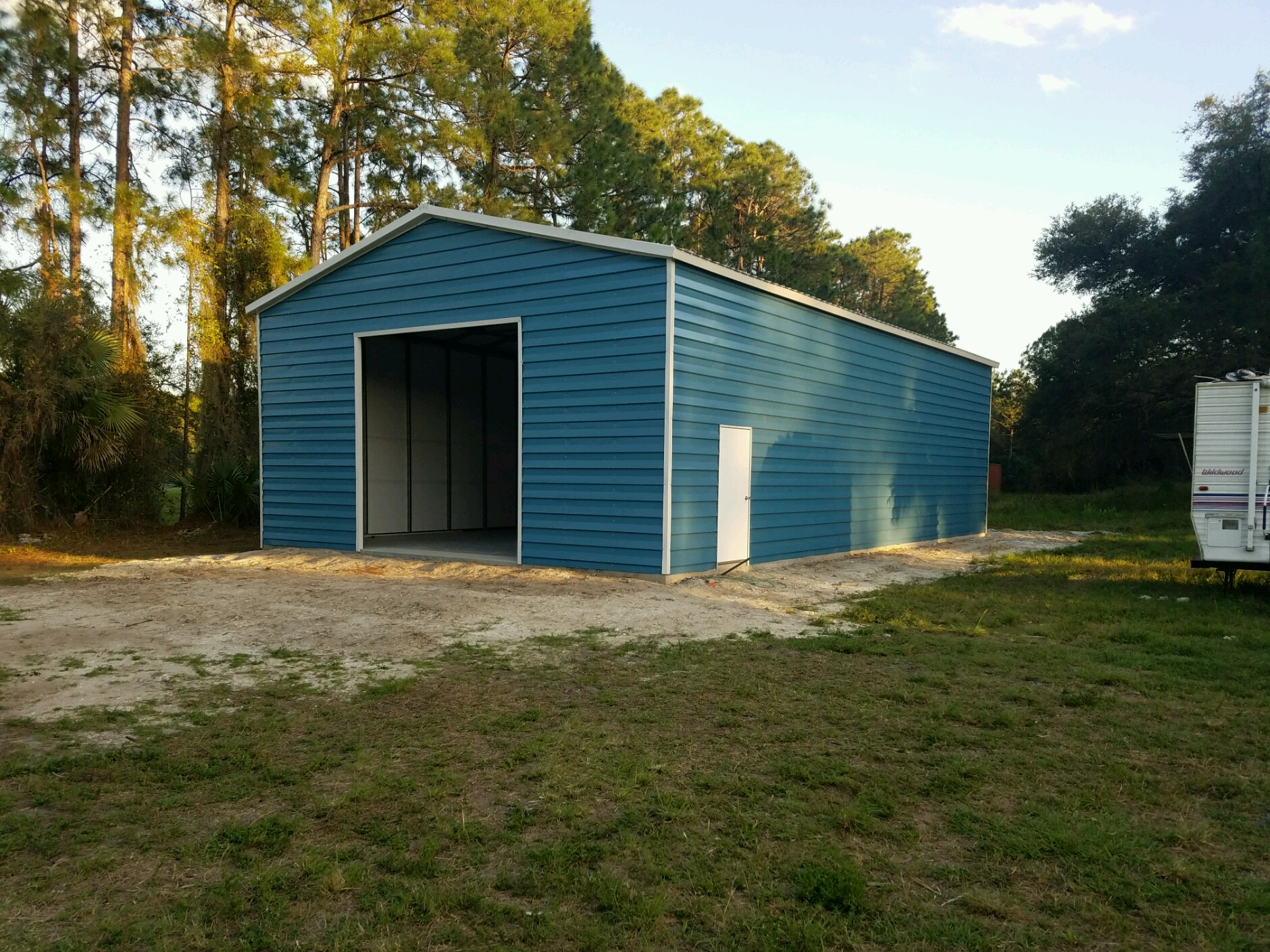 30x50 custom lap siding garage